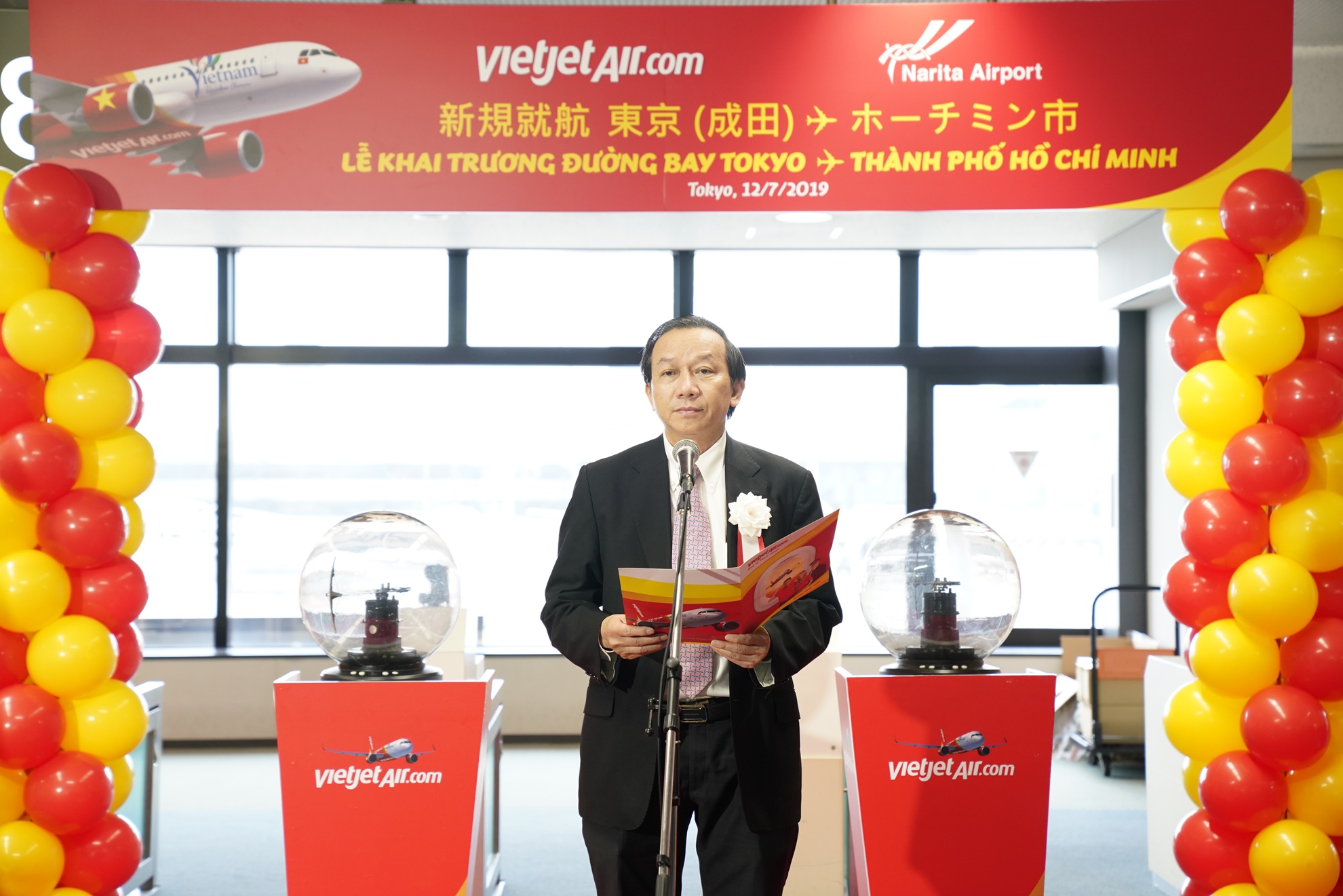 Vietjet's vice president Do Xuan Quang remarks the new route's opening at Narita International Airport, in Tokyo on July 12, 2019. Photo: Vietjet