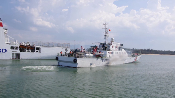 Vietnam Coast Guard mobilizes vessel to rescue fishermen stranded in Hoang Sa archipelago