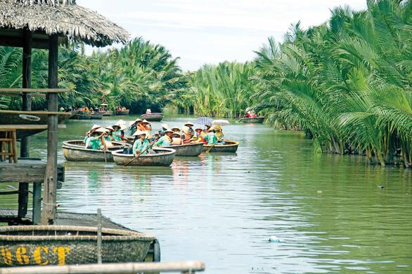 Da Nang, Hoi An mull intercity waterway tour on Co Co River
