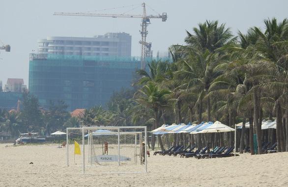 14 seaside projects found violating construction regulations on Da Nang beach