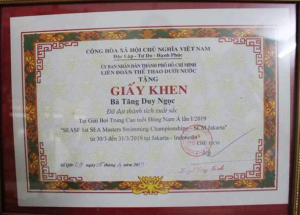 A photo of Ngoc's certificate for her achievements at the SEA Masters Swimming Championships. Photo: Tuoi Tre