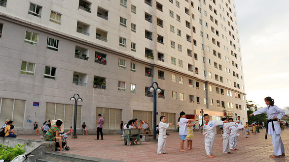 5-yo boy survives 12-story fall at Ho Chi Minh City apartment
