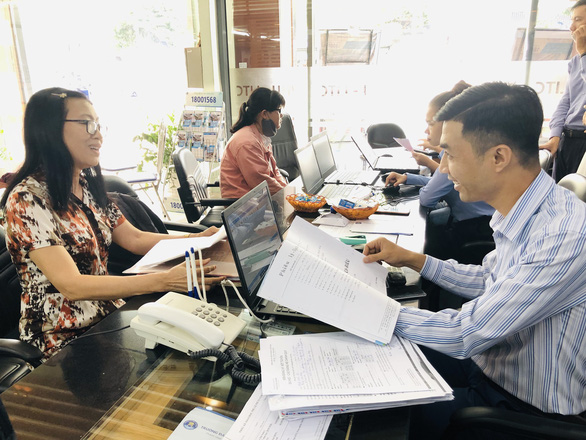 Vietnamese woman seeks second college degree at age 63