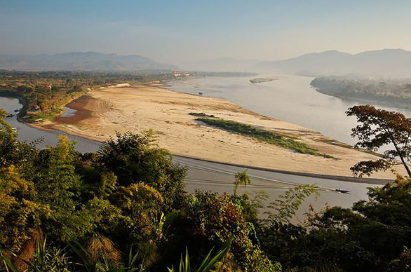 Low water levels are seen on the Mekong River in Thailand. Photo: The Thaiger