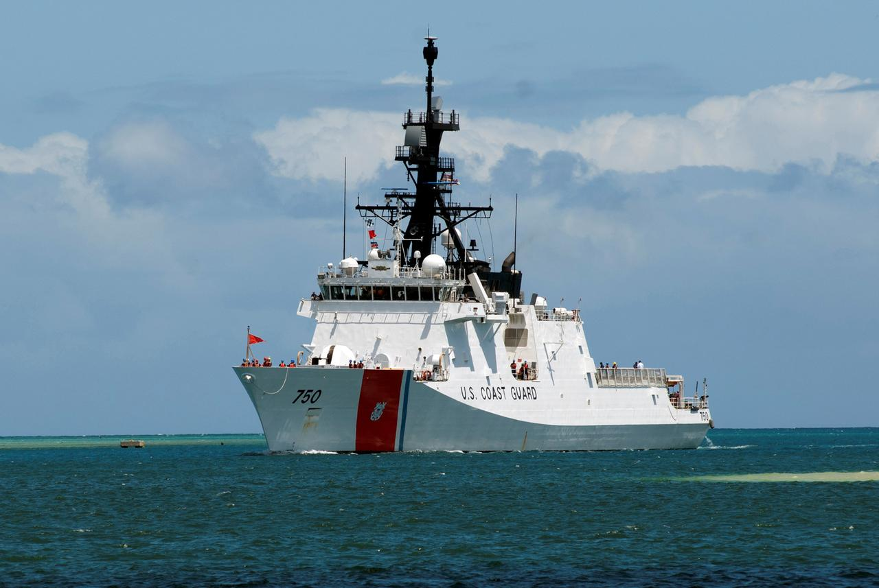 The U.S. Coast Guard Legend-class maritime security cutter USCGC Bertholf (WMSL 750) pulls into Joint Base Pearl Harbor-Hickam, Hawii, U.S. to support the Rim of the Pacific (RIMPAC) 2012 exercise in this June 29, 2012 handout photo. Photo: Reuters