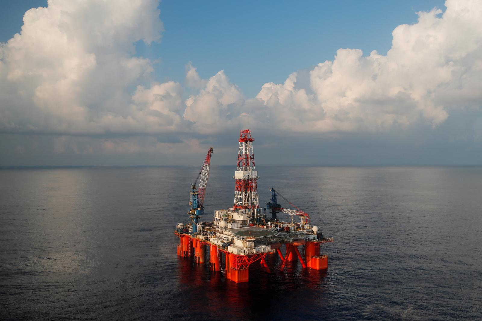 The Hakuryu-5 oil rig operates in the East Vietnam Sea off the coast of Vung Tau, Vietnam on April 29, 2018. Photo: Reuters