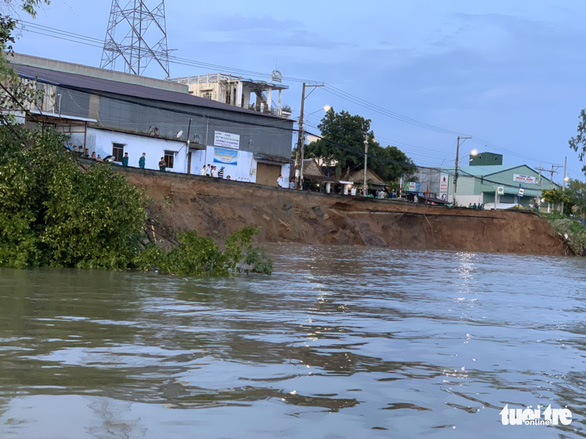 80m section of national highway sinks into river in Vietnam's Mekong Delta