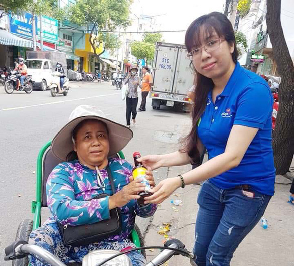 In Ho Chi Minh City, free 'grocery stores' offer necessities to those in need