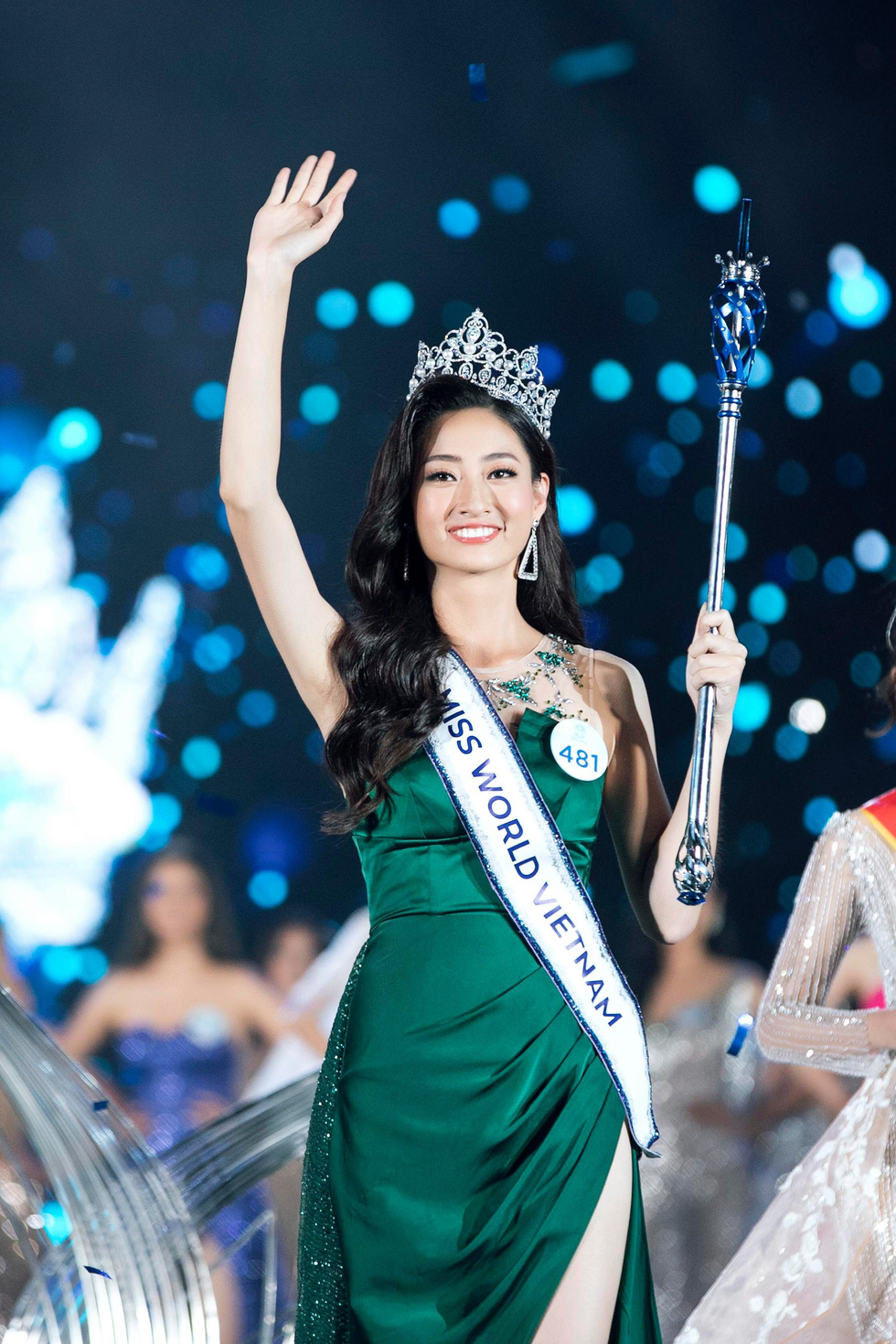 Hanoi university student crowned first Miss World Vietnam