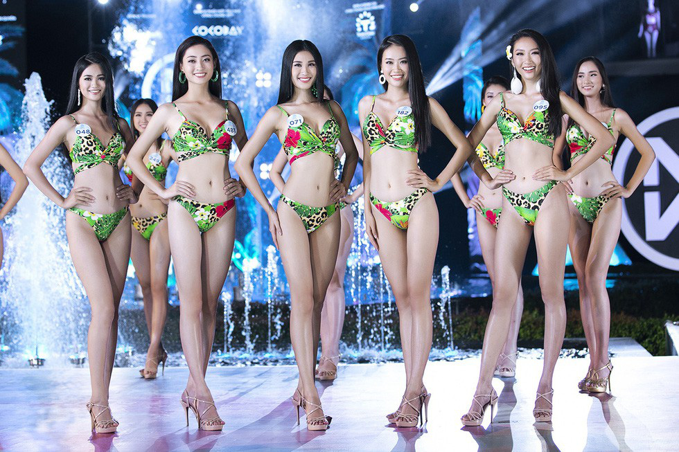 Luong Thuy Linh (second from the left) poses in bikinis during the finale of Miss World Vietnam on August 3, 2019 at Cocobay Da Nang in Da Nang Province. Photo: supplied