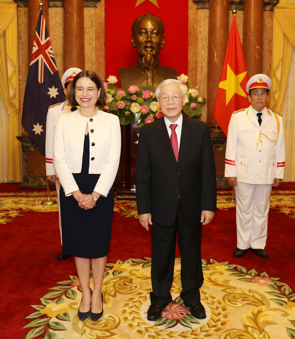 Vietnam's General Secretary and State President Nguyen Phu Trong (R), stands alongside Robyn Louise Mudie, Australia's Ambassador, in Hanoi, August 7, 2019. Photo: Vietnam News Agency
