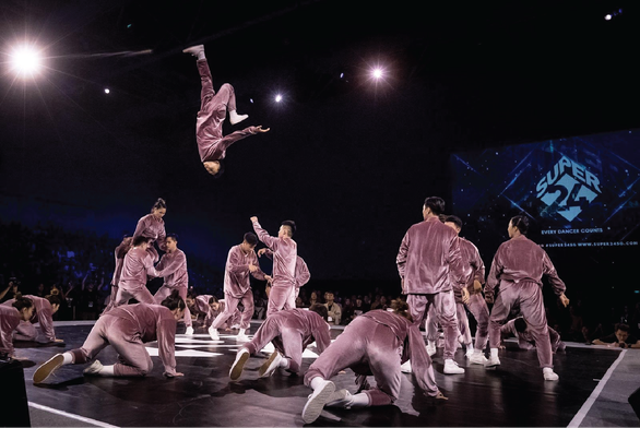 Lyricist members perform in the open category's championship night of the dance showcase competition Super 24 2019 held in Singapore on August 4. Photo: Amberstone