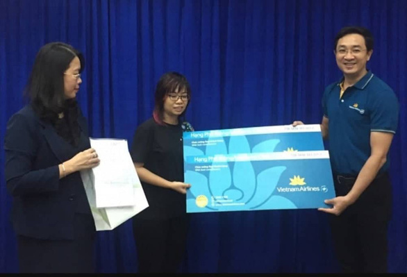 Japanese tourist fleeced by Vietnamese cyclo driver receives apology gift
