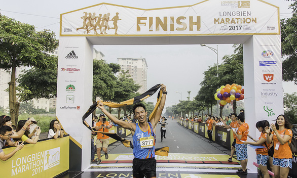 How this Vietnamese man turns love of running into lucrative career