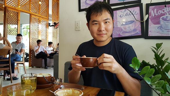 Japanese man finds love in Vietnamese literature