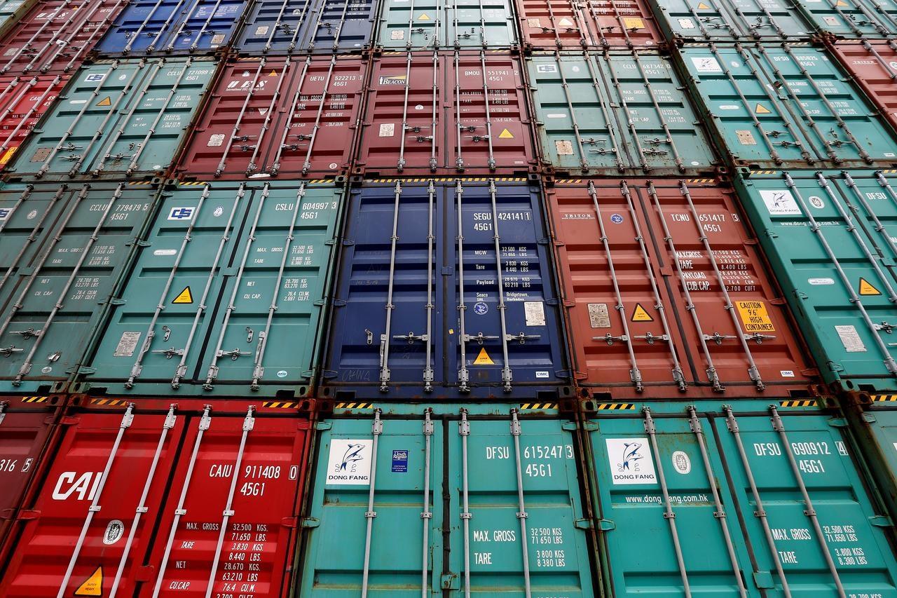 Trade war escalation nudges U.S. closer to recession: Reuters poll