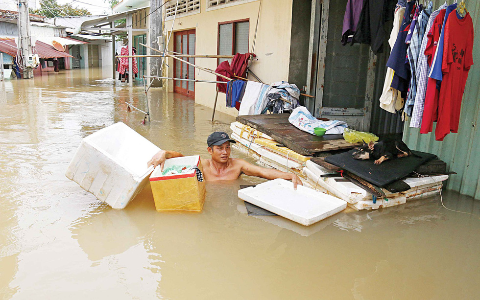 Continuous flooding turns life upside down on Vietnam's Phu Quoc Island
