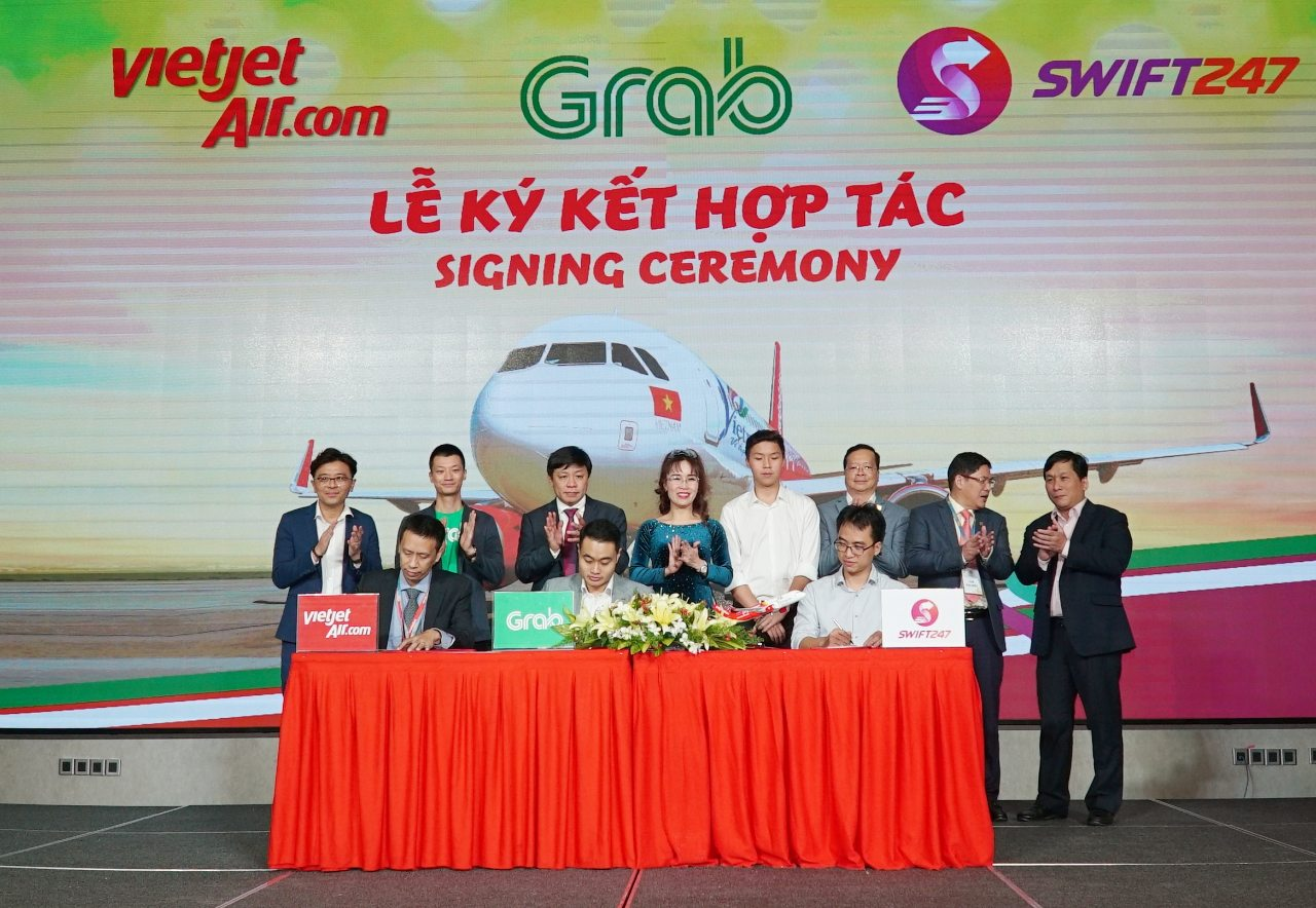 Vietjet, Swift247, Grab shakes hands to offer 5-hour Saigon-Hanoi delivery service