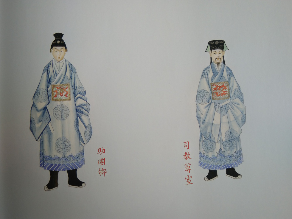 Royal costumes of a state secretary (right) and a deputy internal marquis