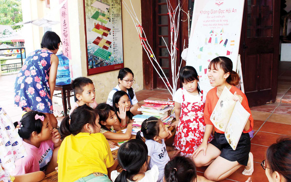 Woman founds reading space at Hoi An museum