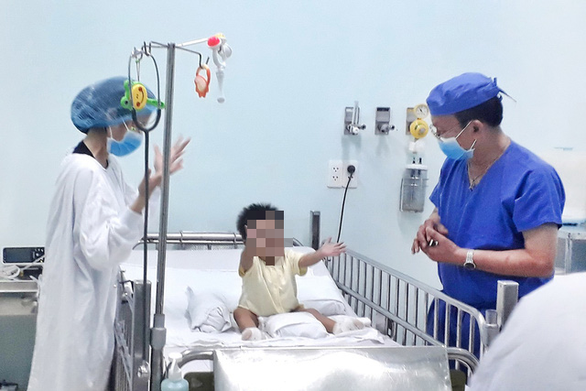 Grandfather donates liver to 16-month-old boy in Vietnam's first