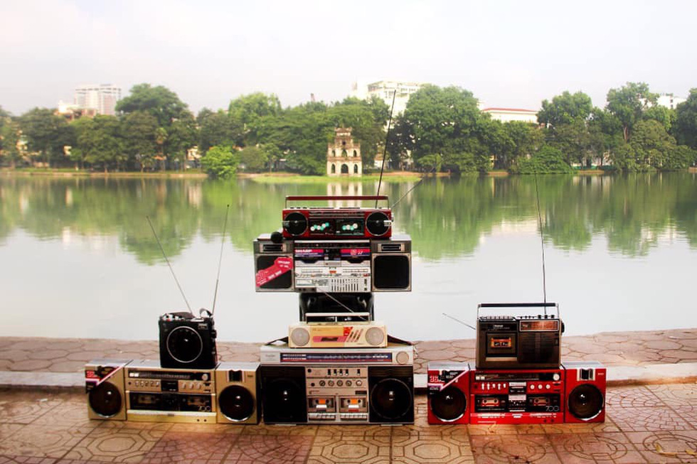 Antique radios are displayed along the side of Hoan Kiem Lake in Hanoi to attract passers-by. Photo: Supplied