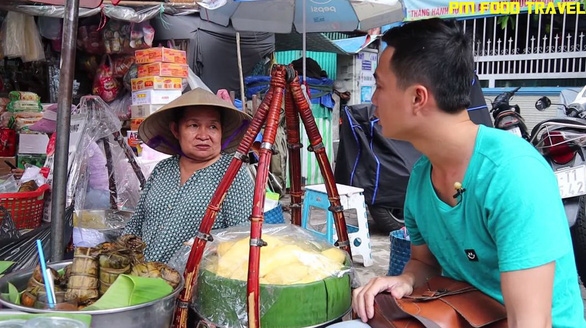 Phu makes friendly conversations with street vendors to add some spice to his videos. Photo: Supplied