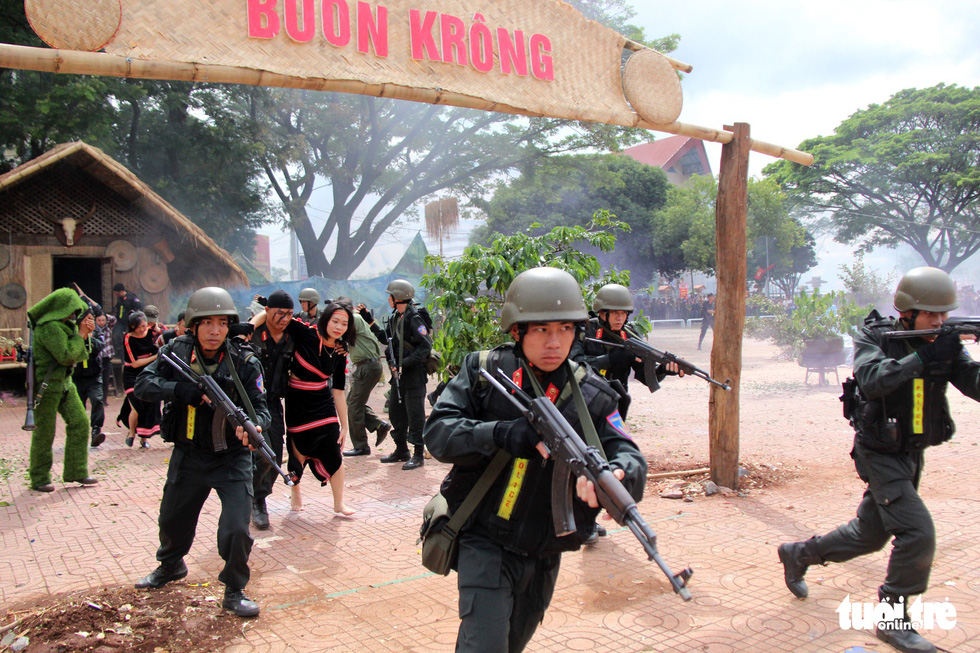 Anti-terrorism exercise held during police competition in Vietnam