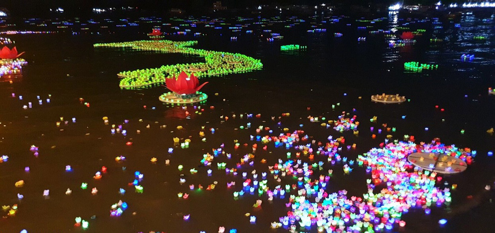 Buddhist event sparks environmental controversy for releasing 30,000 plastic lanterns to sea