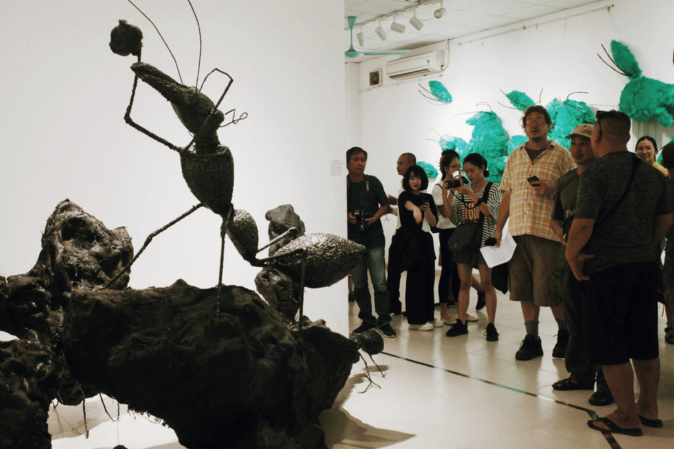 An ant sculpture  is displayed at the Insect exhibition in Hanoi. Photo: Mai Thuong / Tuoi Tre