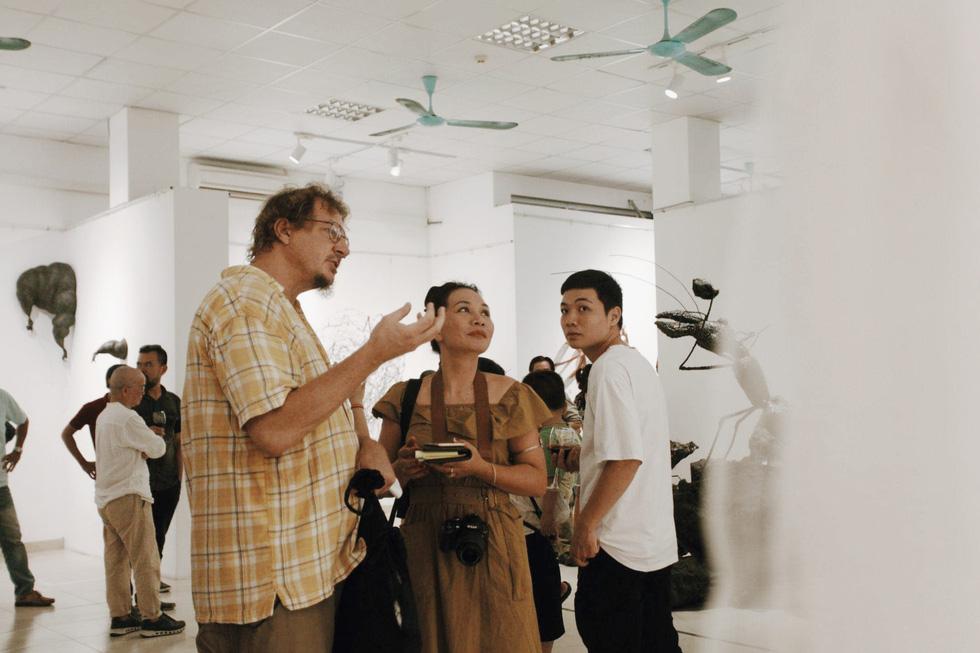 Visitors visit the Insect exhibition in Hanoi. Photo: Mai Thuong / Tuoi Tre
