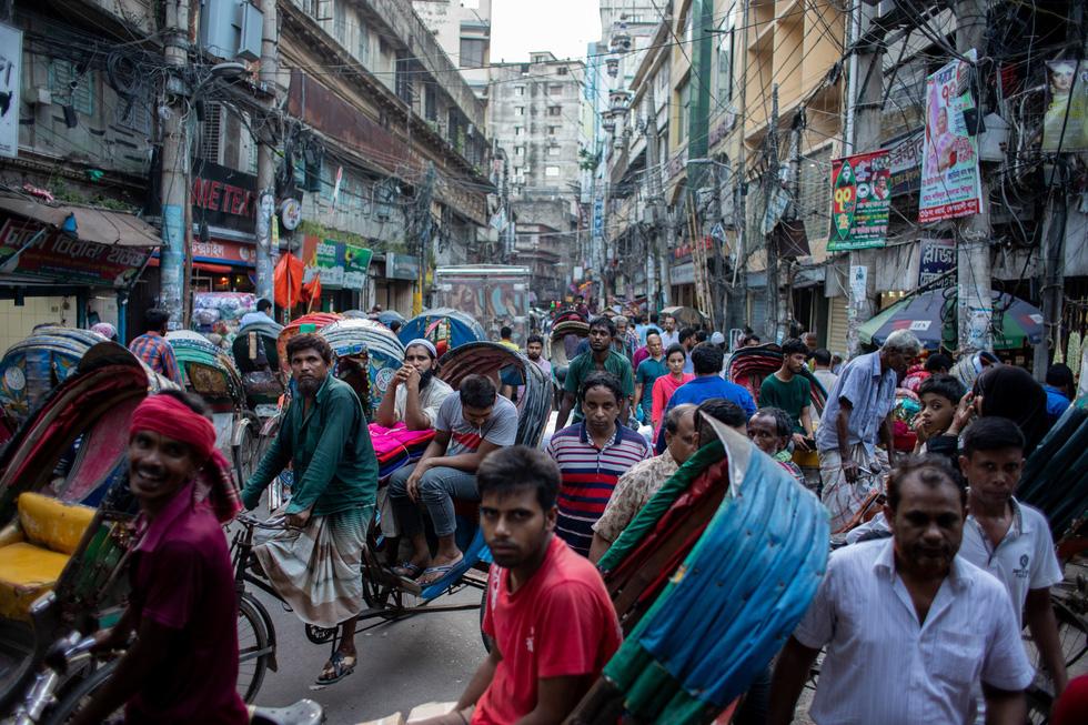 Exhibition brings life in Bangladesh's capital closer to Vietnamese