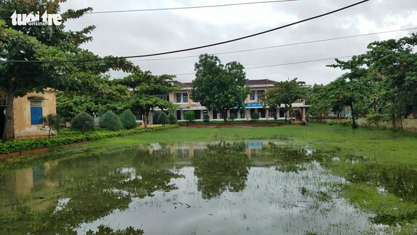 A flooded school in the north-central province of Quang Binh. Photo: Quoc Nam / Tuoi Tre