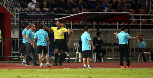 Coaching teams fight outside pitch during Thailand-Vietnam draw