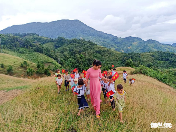 In Vietnam, students, teachers celebrate new school year 1,000 meters above the sea
