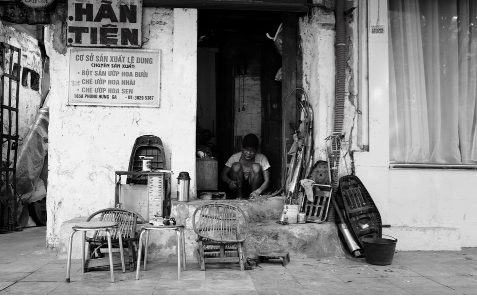 One of the only manual mechanical stores left in Hanoi. Photo: Nguyen Viet