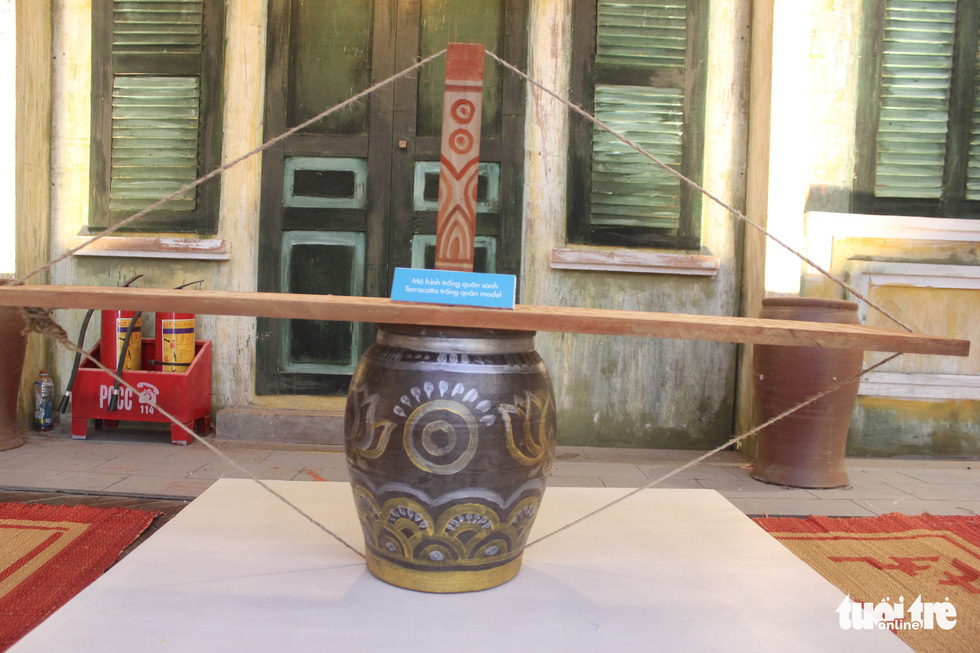 A metal den keo quan is on display at a Mid-Autumn Festival in Hanoi, September 6, 2019. Photo: Thien Dieu / Tuoi Tre
