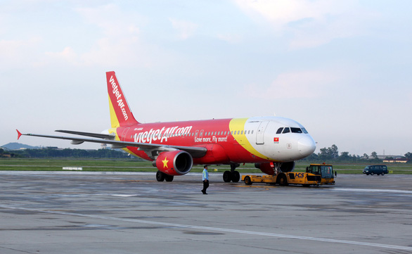 Vietnam's Vietjet seeks independent aircraft ground handling at busy airports