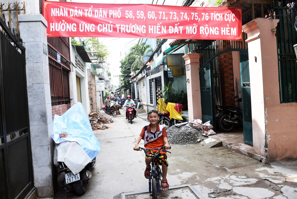 An alley on Ly Chinh Thanh Street in District 3 after being widened. Photo: Duyen Phan / Tuoi Tre
