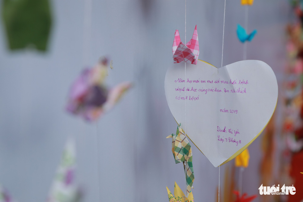 A small note conveys the truthful wish of junior patients at Ho Chi Minh Oncology Hospital. Photo: Canh Toan / Tuoi Tre