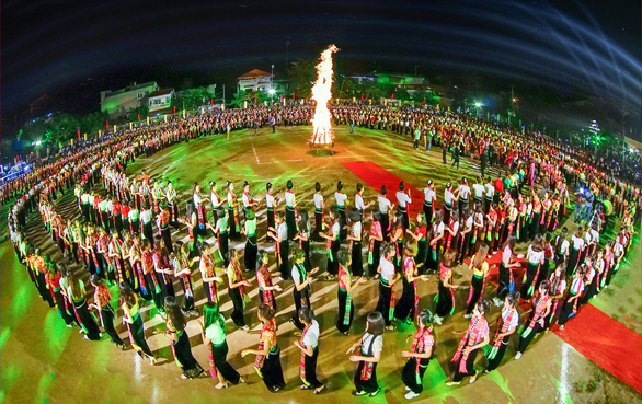 Vietnam province aims to set Guinness World Record with 5,000 performing folk dance