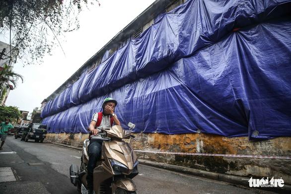 Hanoi demands urgent relocation of light bulb company after mercury leak