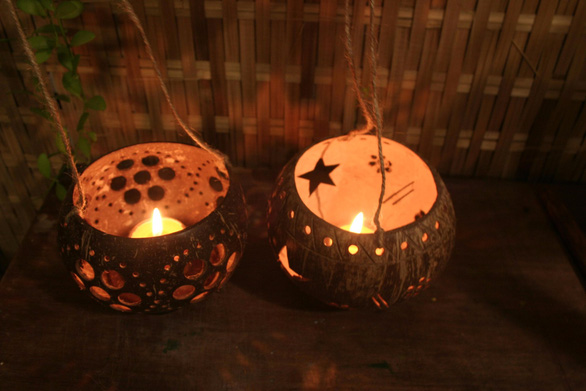 Coconut shell lanterns new eco-friendly choice for Mid-Autumn Festival celebration in Vietnam
