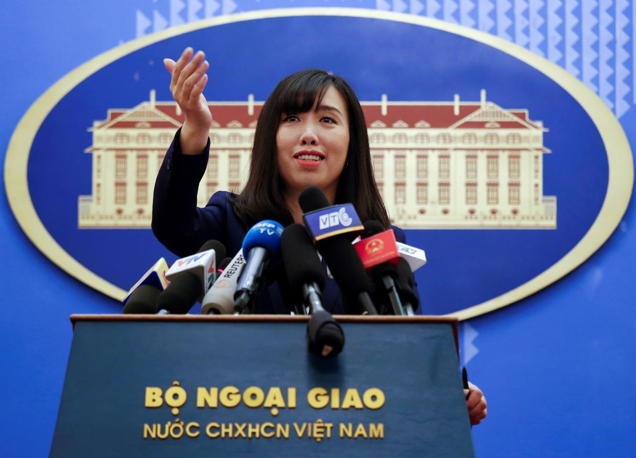 Le Thi Thu Hang, spokesperson of the Vietnamese Ministry of Foreign Affairs, gestures at a press conference in Hanoi, Vietnam August 3, 2017. Photo: Reuters