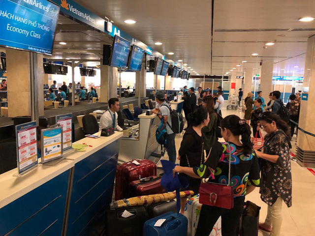 Vietnam Airlines to expand phone check-in service to Hanoi airport