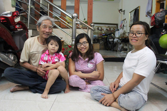 Vietnamese man spends life bringing up children with disabilities