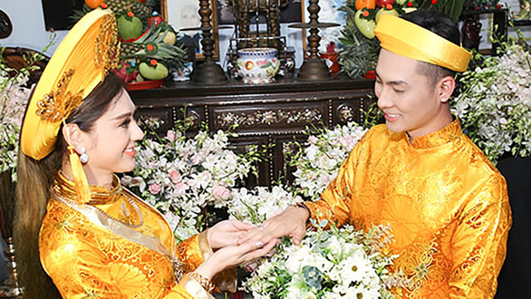 Khanh Chi and Phi Hung on their wedding day. Photo: Supplied