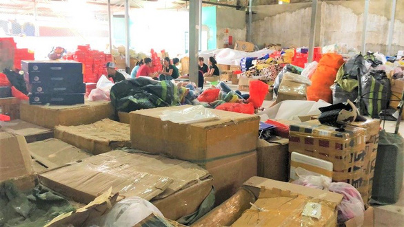 Vietnam police seize fashion products carrying famous brand tags with no certificate of origin