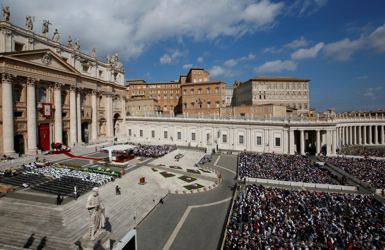 Vatican police raid top offices in financial investigation