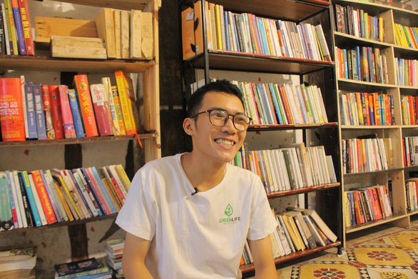 This Vietnamese student built two free libraries in Hanoi